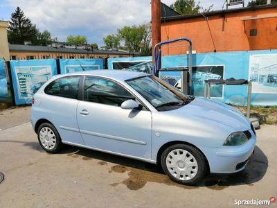 używany Seat Ibiza 1.4 benzyna, 2002r, klima, 2 komplety opon