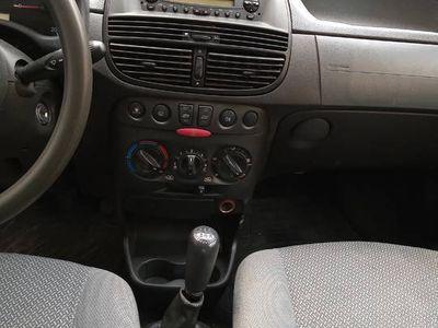 używany Fiat Punto 2003 rok