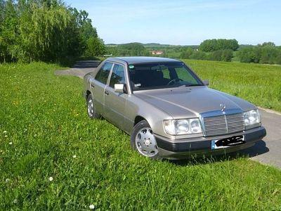 używany Mercedes E200 W124140 000 prawdziwego przebiegu, stan BDB