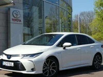 używany Toyota Corolla XII 1.8 Hybrid Executive + VIP
