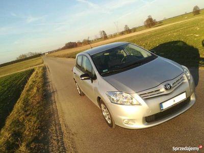 używany Toyota Auris LIFT 2011