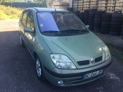 używany Renault Scénic 1.9dm 102KM 2001r. 270 643km