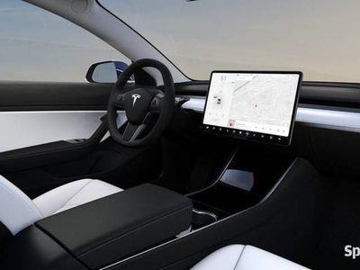 używany Tesla Model 3
