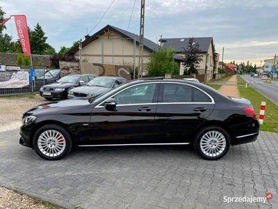 używany Mercedes C200 1.6dm 136KM 2015r. 160 000km