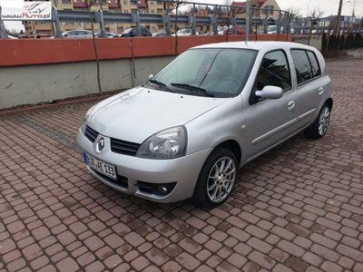 używany Renault Clio 1.2dm 75KM 2008r. 88 000km