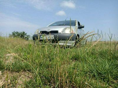 używany Toyota Yaris 2002r. 1,0 Benzyna 5D Tanio Wawa - Możliwa Zamiana! I (1999-2005)
