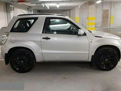używany Suzuki Grand Vitara 1.6dm 106KM 2005r. 160 000km
