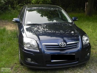 używany Toyota Avensis II