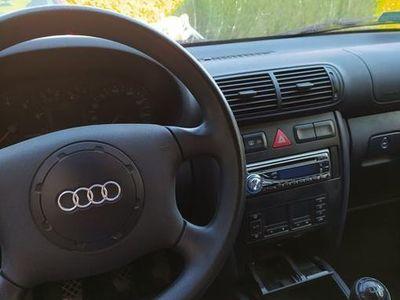 używany Audi A3 1.6 benzyna, nowy akumulator z gwarancją! 2000r