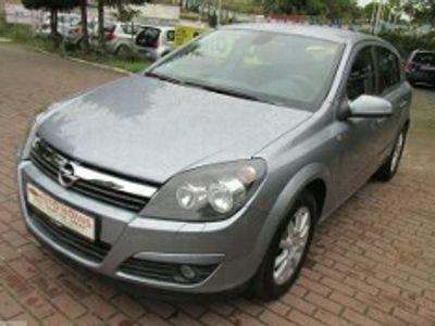 używany Opel Astra III 1.8 Essentia
