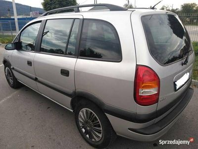 używany Opel Zafira A 1.6 benzyna