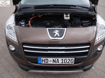 używany Peugeot 3008 2dm3 200KM 2013r. 187 000km Lift Opłacony 2.0HDi HYBRID 200KM Serwis Led Xenon F1 Navi
