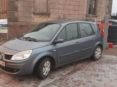 używany Renault Scénic II zarejestrowany- 6 biegów