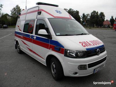 używany VW T5 2.0 tdi 4x4 ambulans typ P z wyposażeniem.