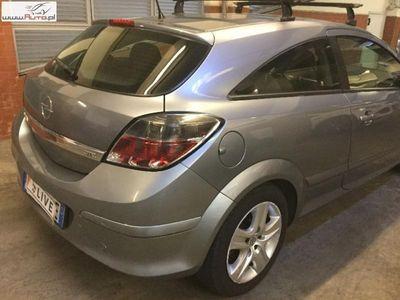używany Opel Astra 1.6dm 115KM 2008r. 124 402km
