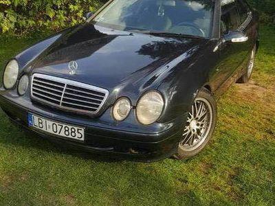 używany Mercedes CLK230