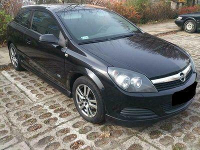 używany Opel Astra Coupe