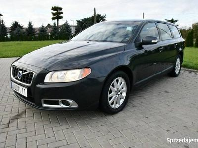 używany Volvo V70 2.4dm 163KM 2009r. 211 000km