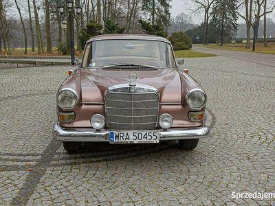 używany Mercedes 190 D W110 Skrzydlak 1963r