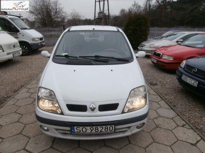 używany Renault Scénic Scenic 1.9dm3 120KM 2002r. 278 000km sprzedam1,9 dti klima hak