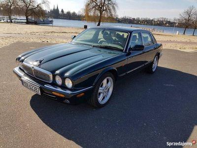 używany Jaguar XJ8 stan kolekcjonerski