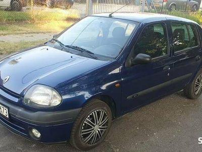 używany Renault Clio 1.4 2000r sprawna klimatyzacja