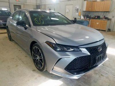 używany Toyota Avalon 3.5dm 268KM 2019r. 203 000km