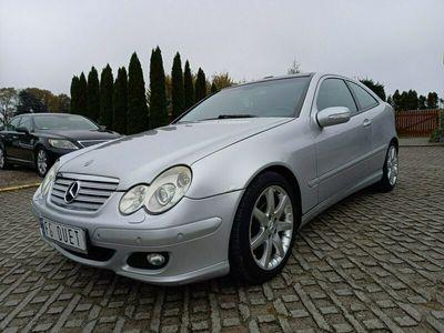 używany Mercedes C180 1.8dm 163KM 2004r. 127 600km