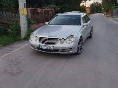 używany Mercedes E500 w211