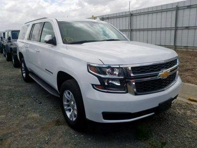 używany Chevrolet Suburban 5.3dm 355KM 2015r. 35 100km