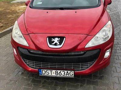 używany Peugeot 308 1.6 benzyna bordowy