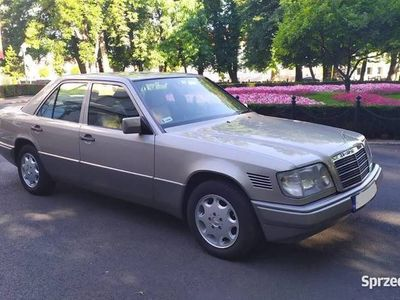 używany Mercedes E250 W 124