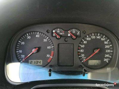 używany VW Golf 2001 1.6 105 KM JEŻDŻĄCY * NA CZĘŚCI * IV (1997-2003)