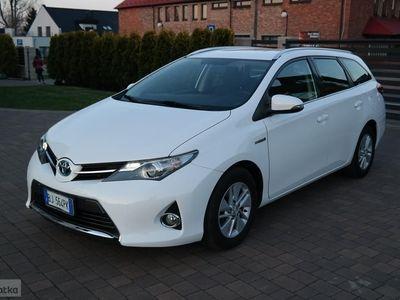 używany Toyota Auris II Hybrid