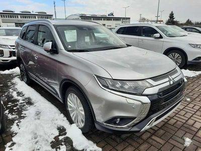 używany Mitsubishi Outlander Instyle Plus 2.0 150 KM CVT 7-miejsc