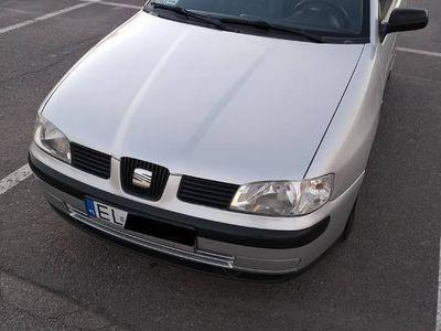 używany Seat Ibiza II 2002 r. Klimatronic benzyna