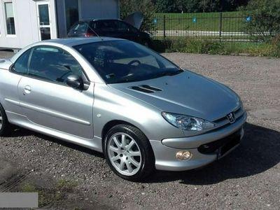 używany Peugeot 206 CC 2dm 136KM 2001r. 142 000km