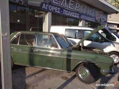 używany Mercedes W114 bardzo zadbany.