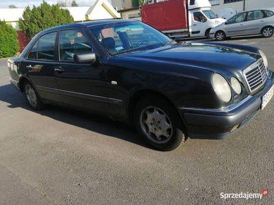używany Mercedes Sprinter 2.9td98r.