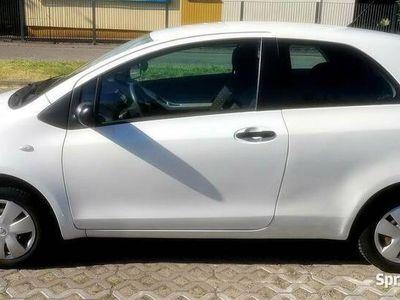 używany Toyota Yaris 1.0 prywatnie
