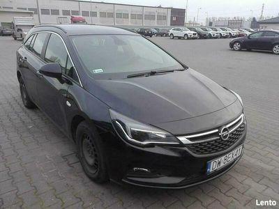 używany Opel Astra (2015-)