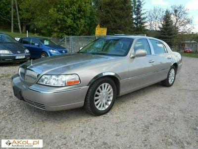 używany Lincoln Town Car 4.6dm 220KM 2003r. 61 000km