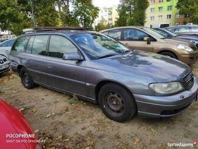 używany Opel Omega 2.2dm 125KM 2001r. 300 000km