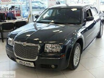 używany Chrysler 300C 3.5 V6 252KM FV23% Skórzana Tapicerka