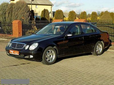 używany Mercedes E270 2.7dm 177KM 2002r. 259 000km