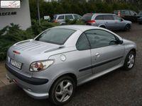 używany Peugeot 204 206 CC 1.6dm3 109KM 2002r.000km Zarejestrowany i ubezpieczony, klima podgrzewane fotele skóra.
