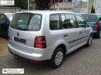 używany VW Touran 1.9dm 105KM 2007r. 183 000km