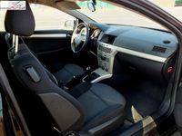 używany Opel Astra 1.4dm 90KM 2008r. 94 000km