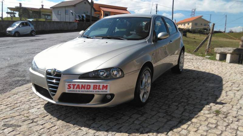 sold alfa romeo 147 1 9 jtd 150cv carros usados para venda. Black Bedroom Furniture Sets. Home Design Ideas