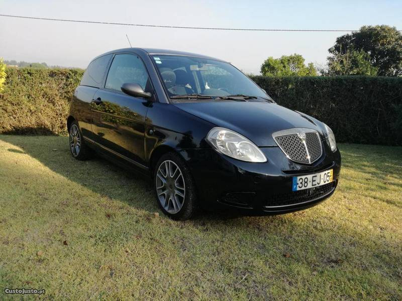sold lancia ypsilon momo design 1